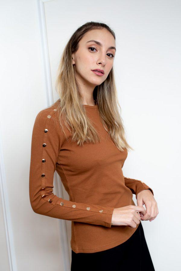 חולצת בייסיק תיקתקים-חום