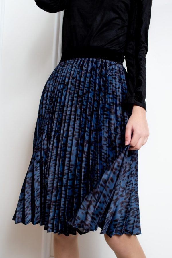 חצאית פליסה מנומרת -קצר