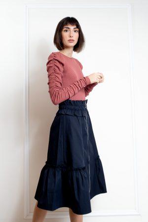 חצאית כיווצים וריצרץ נייבי