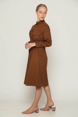 שמלת כיסים וקשירה - חום